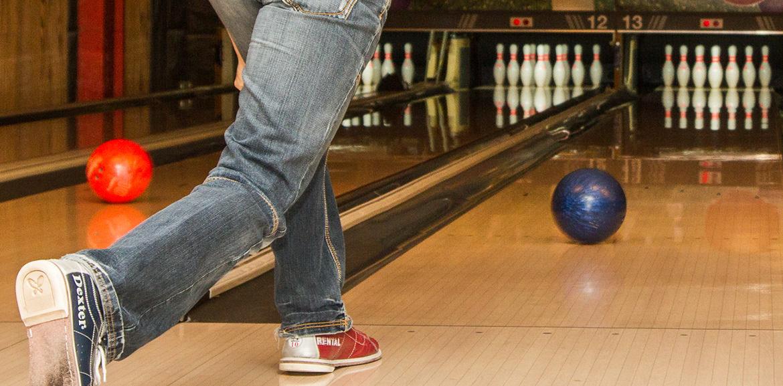 Bowlingkugel auf Bahn