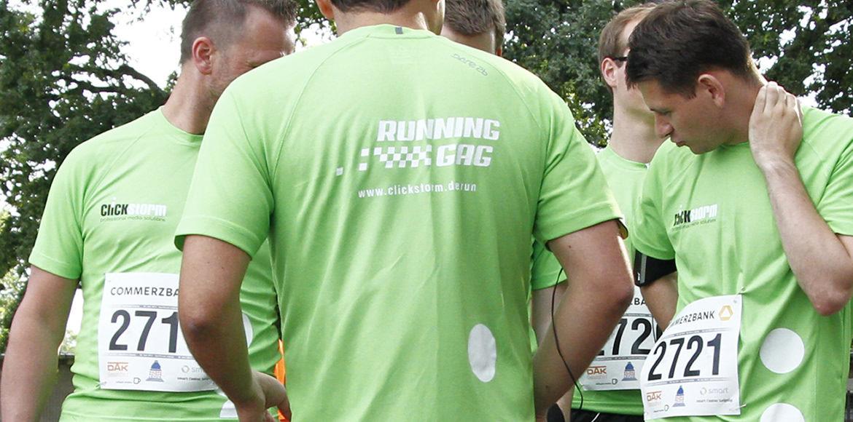 Teambesprechung vor dem Lauf