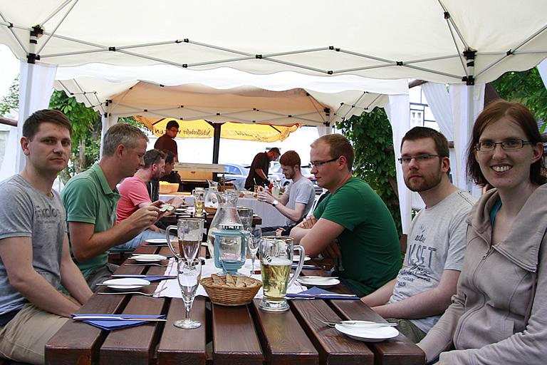 Greifendorf - Schmiedelandhaus, Firmenausflug am Tisch