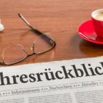 Zeitung auf Schreibtisch - Jahresrückblick 2017