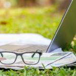 TYPO3 News-Beiträge, Zeitung mit Brille
